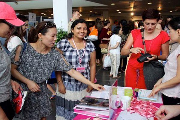 Ngày hội gây quỹ giúp đỡ phụ nữ và trẻ em kém may mắn