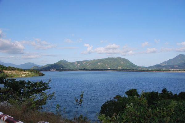 Tăng cường tích trữ nước các hồ chứa