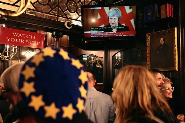 Bình luận của TG&VN: Ba cửa ải của Thủ tướng Anh