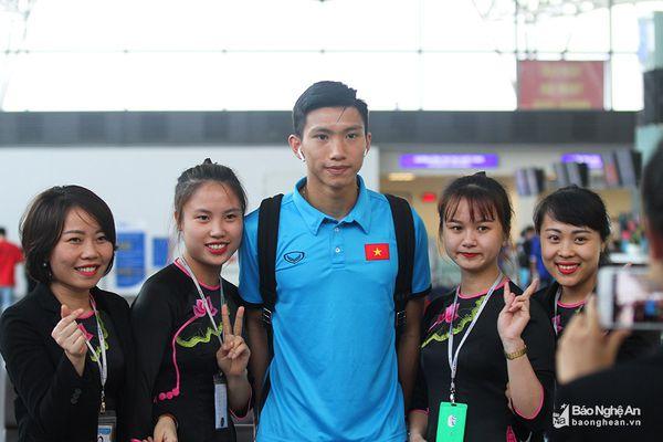 Thầy trò HLV Park Hang Seo khẩn trương lên đường sang Myanmar