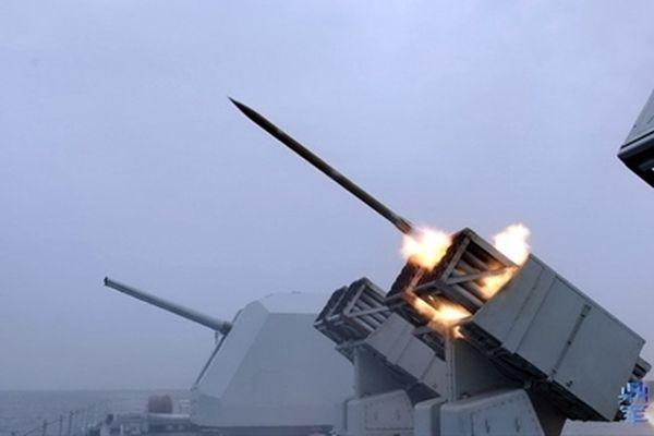 Trung Quốc sửa khinh hạm cũ thành tàu yểm trợ hỏa lực
