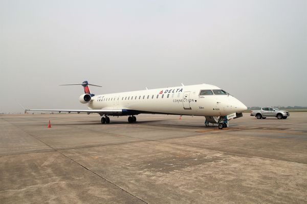 Vietnam Airlines tham gia bay thử nghiệm tàu bay CRJ900 Bombardier