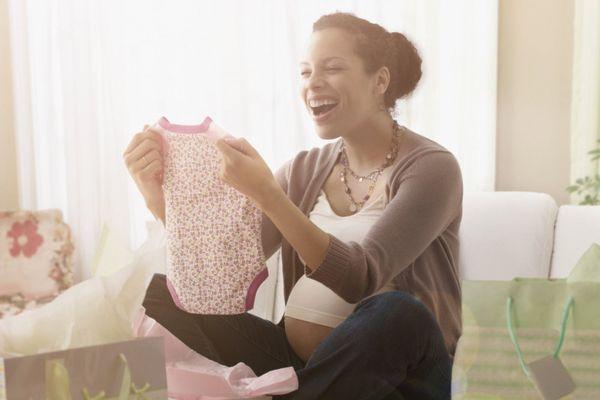 Món quà dành tặng con gái của người mẹ 10 năm mòn mỏi 'tìm con'