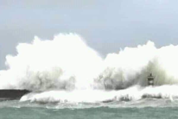 Bà Rịa - Vũng Tàu : Bão số 9 đang đến gần, gió đã mạnh lên