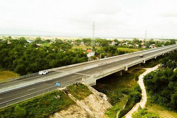 Sửa chữa 6 cầu, cống bị lún trên cao tốc Đà Nẵng - Quảng Ngãi