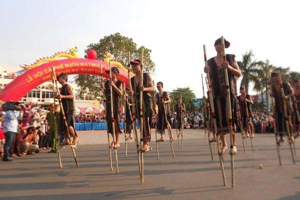 'Đôi chân dài' đặc biệt của dân làng cà kheo
