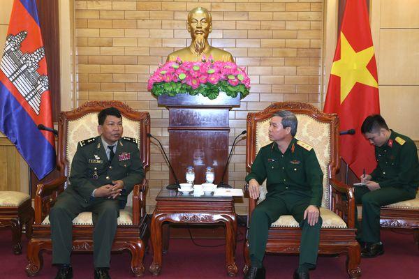 Lãnh đạo Tổng cục Chính trị QĐND Việt Nam tiếp Đoàn Tòa án quân sự và Viện Kiểm sát quân sự Campuchia