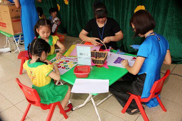 Lan tỏa phong trào làm dụng cụ học tập, đồ chơi cho trẻ