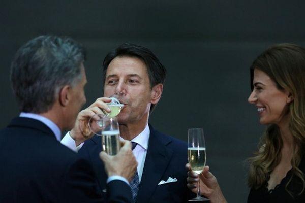 Từ rượu Malbec tới khăn quàng Alpaca, các nhà lãnh đạo G20 'ngập' trong hương vị Argentina