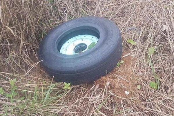 Vẫn còn 1 chiếc lốp máy bay Vietjet gặp sự cố ở Buôn Ma Thuột chưa tìm thấy