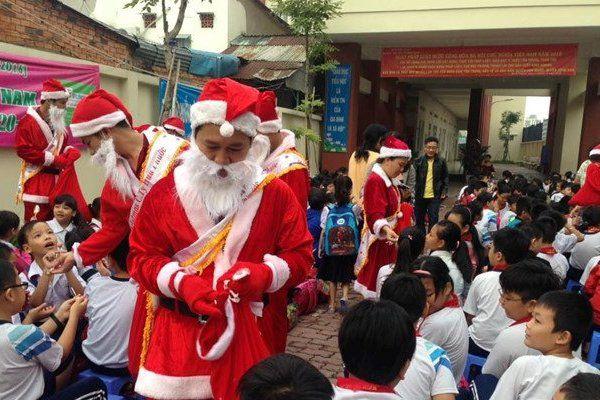 Phòng GD-ĐT Huyện Nhà Bè thu hồi văn bản cấm tổ chức Noel ở trường học
