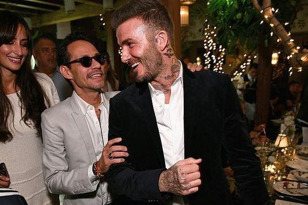 David Beckham 'đốn tim' fan với vẻ điển trai và gu thời trang phong cách