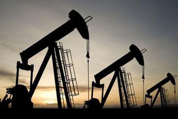 OPEC cắt giảm sản lượng dầu mỏ: Biến động khó lường