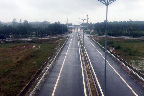 Thông xe nút giao Chu Lai trên cao tốc Đà Nẵng-Quảng Ngãi