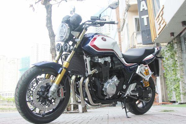 Chùm ảnh nakedbike 'hàng độc' Honda CB1300SP 2019 về Việt Nam