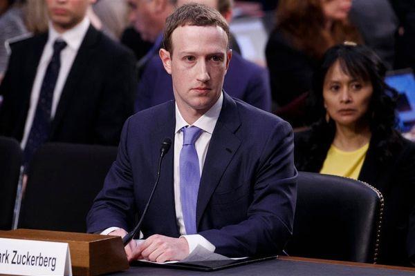 CEO Mark Zuckerberg mất 15 tỷ USD trong năm bê bối của Facebook