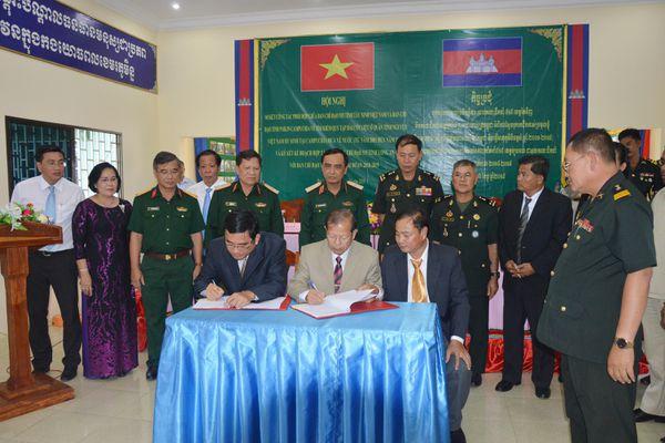 Tiếp tục phối hợp tìm kiếm, quy tập hài cốt liệt sĩ Quân tình nguyện Việt Nam tại Campuchia