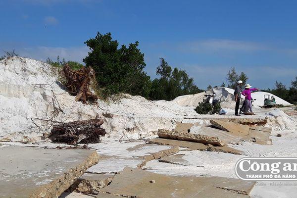 Lợi dụng làm đường để tận thu cát trái phép?