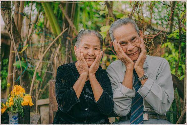 Lịm tim với bộ ảnh 'Ông bà anh' và tình yêu tuổi U80