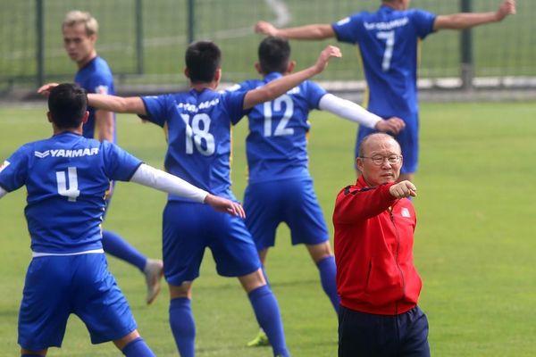 Buổi tập đầu tiên sau chức vô địch AFF Cup 2018