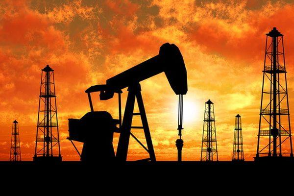 Sụt giảm mạnh, giá dầu về mức 45USD/thùng