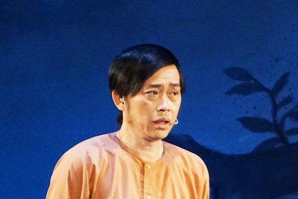 Hoài Linh khiến khán giả khóc, cười với 'Giấc mộng đêm xuân'