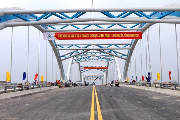 Thái Nguyên: Thông xe kỹ thuật cầu Bến Tượng