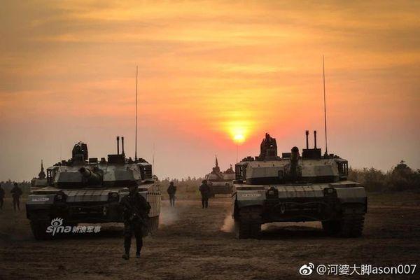 Kỳ lạ dàn xe tăng có nút 'tự hủy' của Quân đội Thái Lan