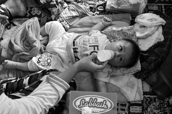 Nạn nhân sóng thần đói và khát
