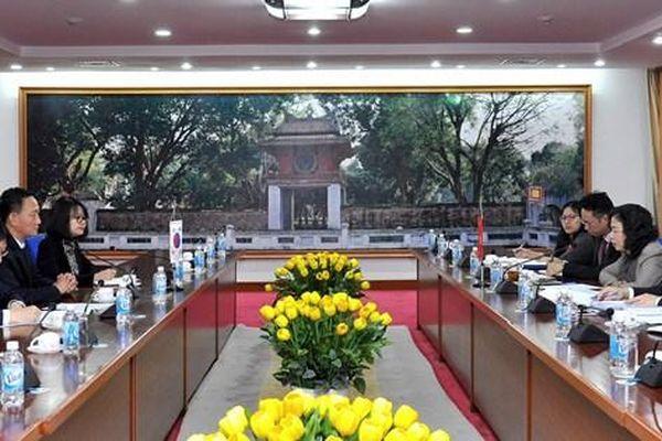 Bộ Tài chính sẵn sàng hỗ trợ doanh nghiệp Hàn Quốc về chính sách tài chính