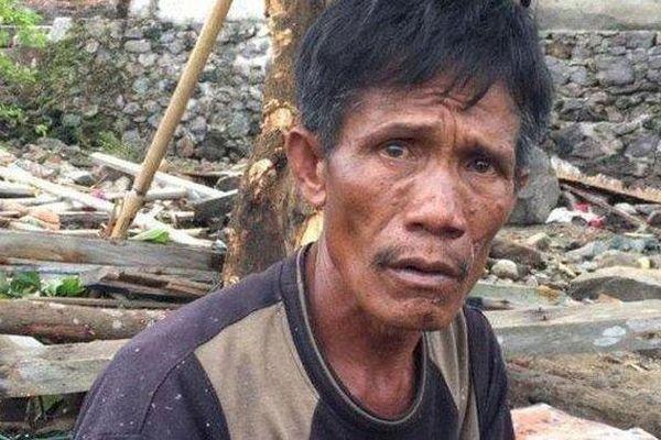 Cứu vợ, mẹ hay con khi sóng thần tấn công Indonesia, người đàn ông phải đưa ra quyết định nghiệt ngã