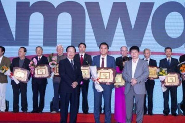 Bộ Y tế tặng bằng khen Amway có thành tích chăm sóc sức khỏe cộng đồng