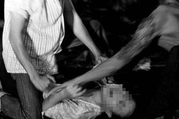 Bắt hai đối tượng hiếp dâm, cướp tài sản của nữ sinh