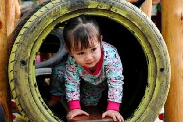 Sân chơi tái chế cho trẻ em, hướng đến môi trường 'xanh'