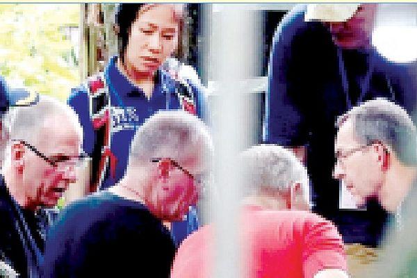 Vinh danh nhóm thợ lặn giải cứu đội bóng Thái Lan