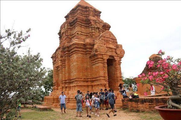 Bình Thuận: Các khu di tích, điểm tham quan 'hút' khách dịp nghỉ lễ