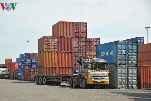 Hàng chục nghìn container phế liệu đang tồn đọng tại các cảng biển