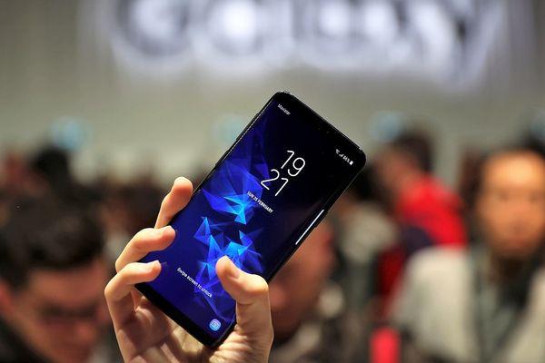 Chiến tranh thương mại liệu có làm khó Samsung như Apple?