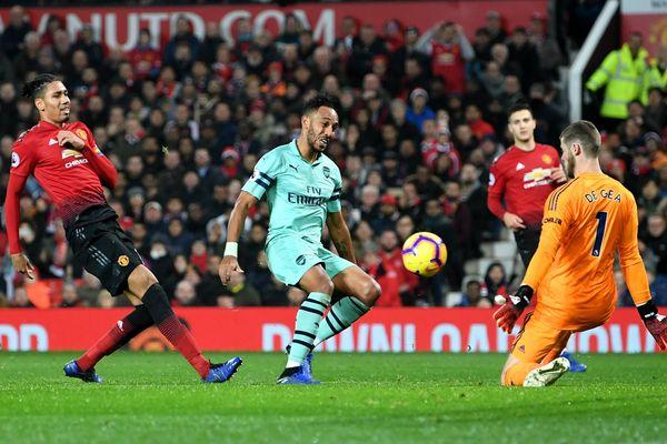 Vòng 4 FA Cup: M.U đại chiến Arsenal