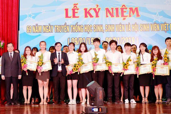 Lan tỏa phong trào khởi nghiệp bền vững trong sinh viên Đại học Đà Nẵng