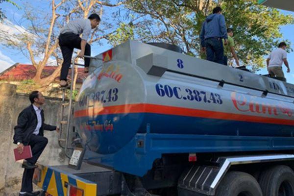 Đắk Lắk: Dùng hồ sơ không hợp pháp để vận chuyển xăng
