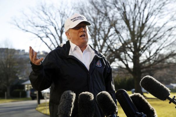 Ông Trump dọa ban bố tình trạng khẩn cấp quốc gia sau khi thăm biên giới