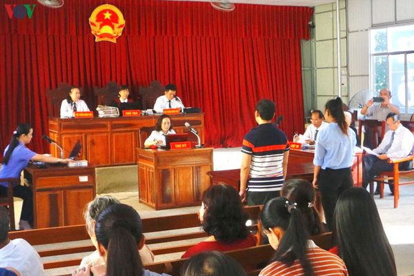 Cần Thơ: Nữ nhà báo bị phạt 4 năm tù về tội môi giới nhận hối lộ
