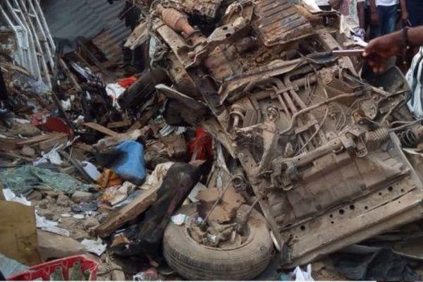 Nigeria: Xe chở gạo mất lái, lao vào khu chợ khiến hơn 20 người chết