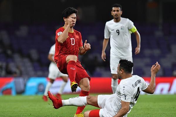 Chuyên gia bóng đá nói gì về cơ hội đi tiếp của ĐTQG Việt Nam tại Asian Cup 2019?