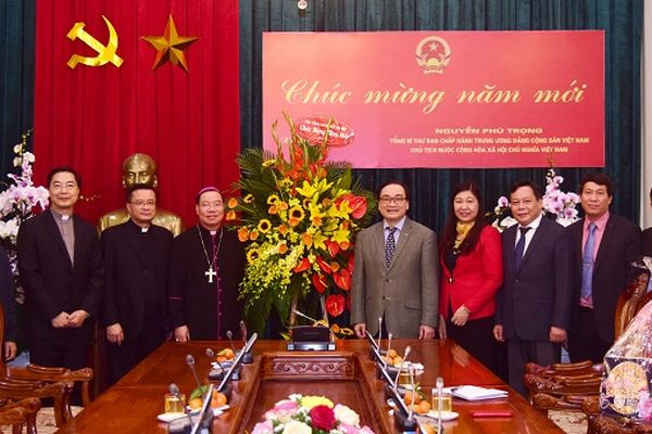 Tổng Giám mục Giáo phận Hà Nội chúc Tết lãnh đạo Thành phố