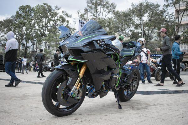 Kawasaki Ninja 'H2R' giá hơn 3 tỷ đồng của biker An Giang