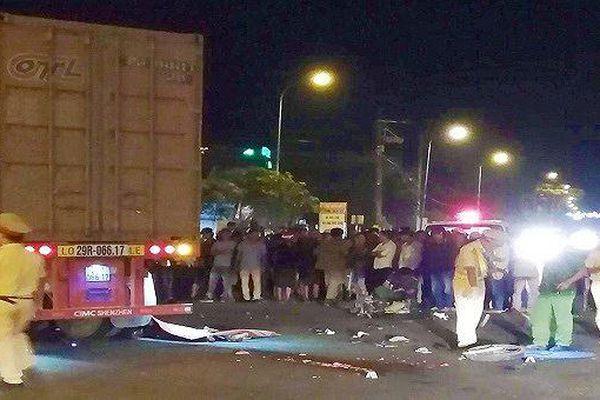 Ô tô container và xe máy chở 3, 1 người chết, 2 người trọng thương