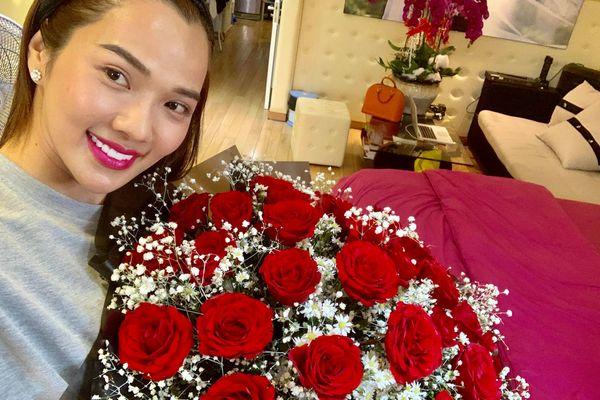Valentine, Ưng Hoàng Phúc làm điều này khiến Kim Cương bất ngờ hạnh phúc