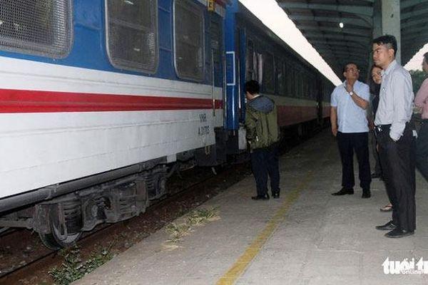 Tàu khách trật bánh tại Đồng Nai, tuyến đường sắt Bắc-Nam bị tê liệt